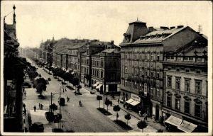 Ak Plzeň Pilsen Stadt, Straßenpartie in der Stadt, Uzeniny