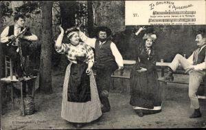 Lied Ak La Bourreio d'Aubergno, tanzende Männer und Frauen in Tracht