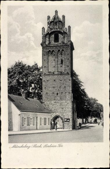 Ak Müncheberg im Kreis Märkisch Oderland, Partie am Berliner Tor