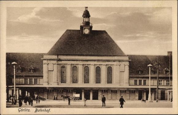 Ak Görlitz in der Lausitz, Blick auf den Bahnhof, Vorderansicht