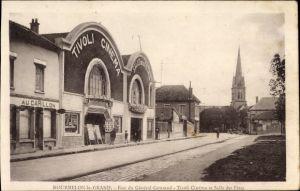 Ak Mourmelon le Grand Marne, Rue du General Gouraud, Tivoli Cinema et Salle des Fetes