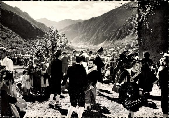 Ak Escaldes Engordany Andorra, Danse typique de Sainte Anne, Volkstanz, Volkstrachten