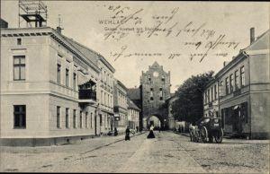 Ak Snamensk Wehlau Ostpreußen, Große Vorstadt mit Steintor, Straßenpartie
