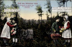 Ak Welzheim in Baden Württemberg, Hannesle und Gretle im Welzheimer Wald an der Kesselgrotte