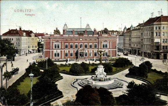 Ak Görlitz in der Lausitz, Blick auf den Postplatz, Sprinbrunnen