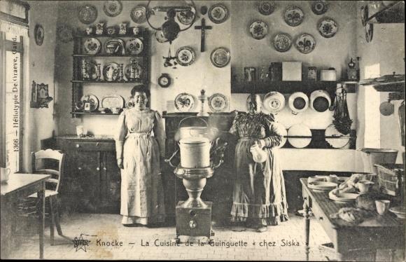 Ak Knokke Heist Westflandern, La Cuisine de la Guinguette, Innenansicht einer Küche