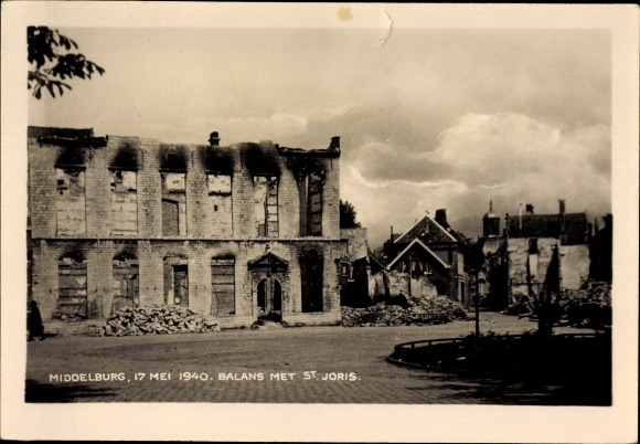 Foto Ak Middelburg Zeeland Niederlande, 17. Mai 1940, Balans met St. Joris,Kriegszerstörungen,II. WK