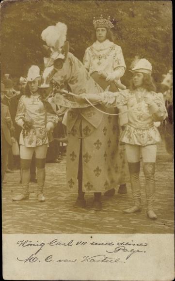 Foto Ak Utrecht Niederlande, König Carl VII und seine Pagen ...
