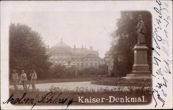Foto Ak Bad Arolsen in Hessen, Schloss, Parkanlagen am Kaiserdenkmal, Gärtner bei der Arbeit