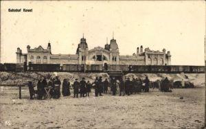Ak Kowel Ukraine, Zug im Bahnhof, Passagiere