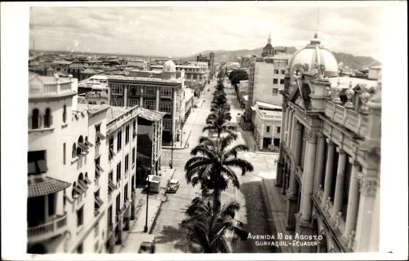 Foto Ak Guayaquil Ecuador, Avenida 10 de Agosto, Straße aus der Vogelschau