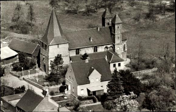 Ak Köln am Rhein, Blick auf die Pfarrkirche Sankt Amandus aus der Vogelschau