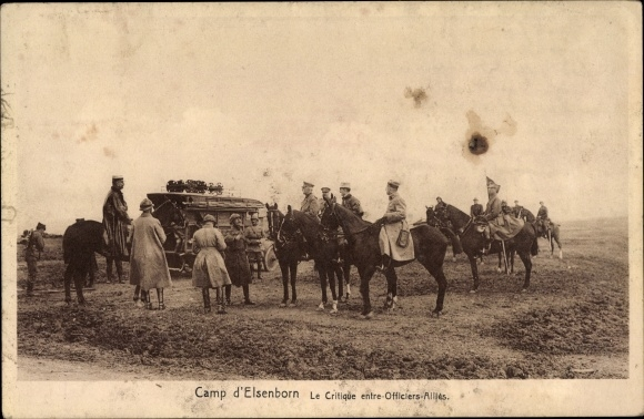 Ak Elsenborn Bütgenbach Wallonien Lüttich, Truppenübungsplatz, Kritik auf dem Paradefeld