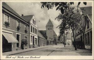Ak Schöppingen in Westfalen, Straßenpartie mit Kirche und Denkmal