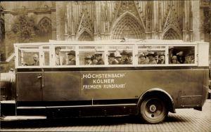 Foto Ak Köln am Rhein, Höchstenbachs Kölner Fremden Rundfahrt, Gruppenbild im Bus, Kölner Dom
