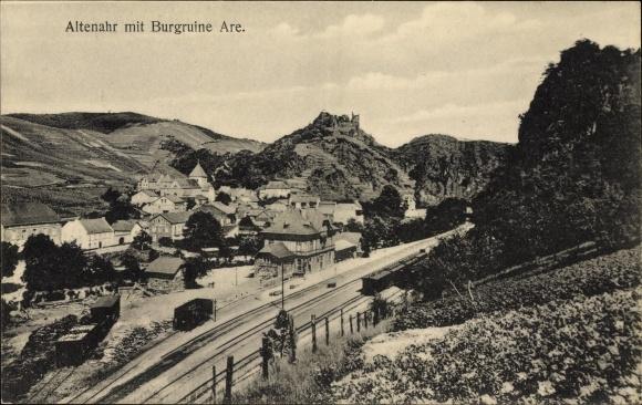 Ak Altenahr Kreis Ahrweiler Rheinland Pfalz, Teilansicht von Stadt, Burgruine, Bahnhof, Gleisseite