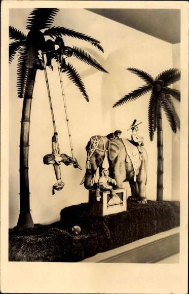 Ak Deutsches Spielzeugmuseum Sonneberg, Orgelspielender Elefant, Schaugruppe