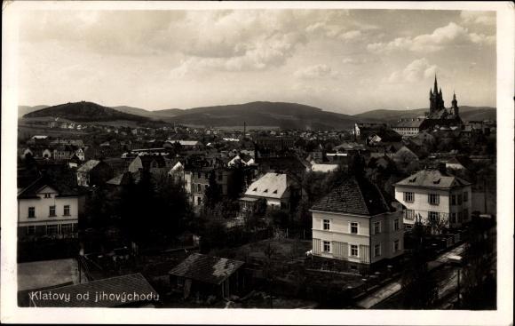 Ak Klatovy Klattau Reg. Pilsen, Blick über die Dächer der Stadt, Kirche