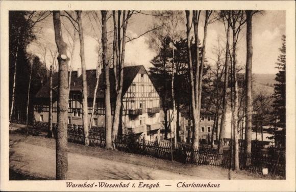 Ak Warmbad Thermalbad Wiesenbad im Erzgebirge, Blick auf das Charlottenhaus 0