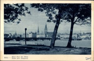 Ak Riga Lettland, Blick über die Düna auf die Stadt