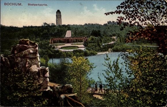 Ak Bochum im Ruhrgebiet, Partie im Stadtpark, Blick auf den Teich, Turm im Hintergrund