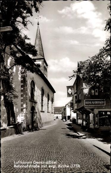 Ak Gemünd Schleiden in der Eifel, Bahnhofstraße mit evangelischer Kirche, Geschäft für Reiseandenken