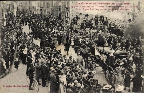 Ak Lunéville Lothringen Meurthe et Moselle, Obseques solennelles des Victimes du bombardement