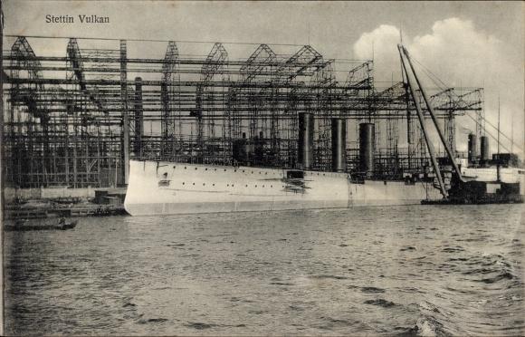 Ak Szczecin Stettin Pommern, Anlagen der Vulkanwerft, Kriegsschiff