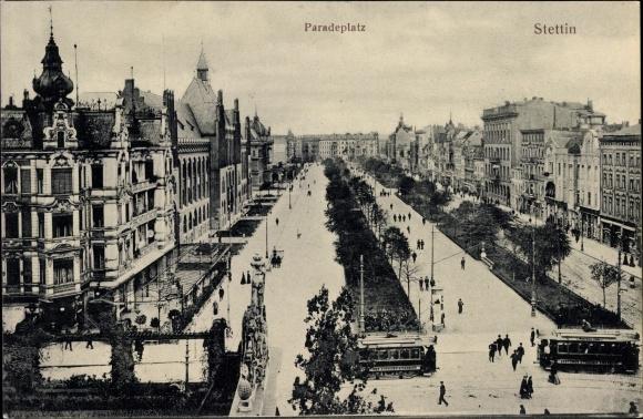 Ak Szczecin Stettin Pommern, Partie auf dem Paradeplatz, Vogelschau