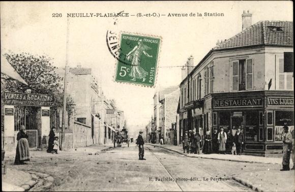 Ak Neuilly Plaisance Seine Saint Denis, Avenue de la Station, Restaurant
