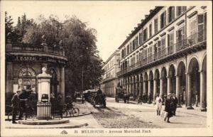 Ak Mulhouse Mülhausen Elsass Haut Rhin, Avenue Maréchal Foch, Passanten, Kutschen