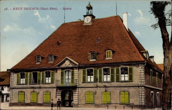 Ak Neuf Brisach Neubreisach Elsass Haut Rhin, Straßenpartie mit Blick auf das Rathaus, Mairie