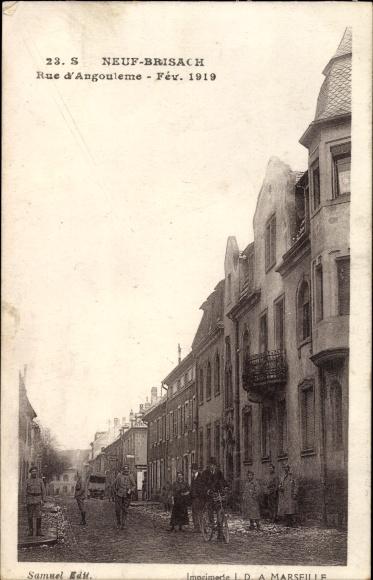 Ak Neuf Brisach Neubreisach Elsass Haut Rhin, Rue d'Angouleme 1919, Straßenpartie im Ort
