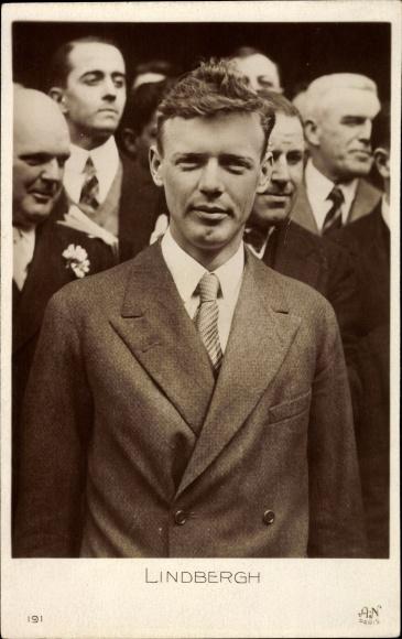 Ak Charles Lindbergh, US Amerikanischer Flugpionier, Erste Alleinüberquerung des Atlantiks, Portrait