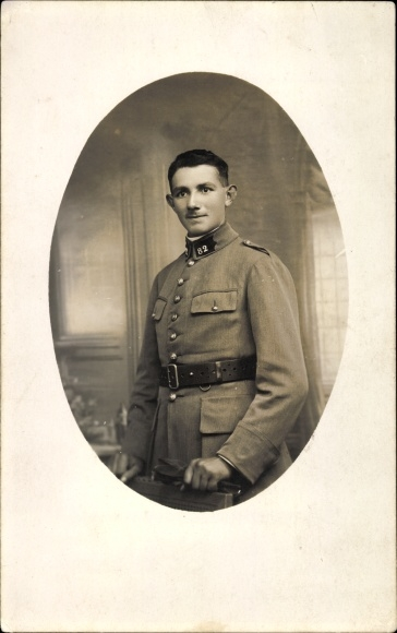 Foto Ak Französischer Soldat in Uniform, Portrait, Regiment 82