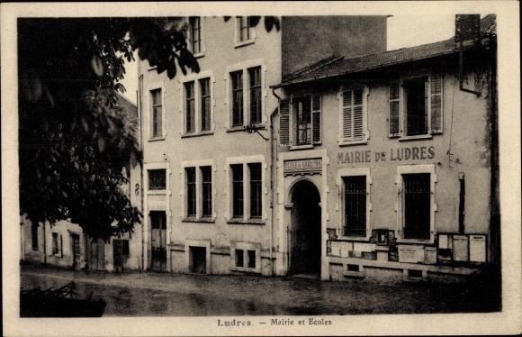 Ak Ludres Lothringen Meurthe et Moselle, Mairie et Ecoles, Rathaus, Schule