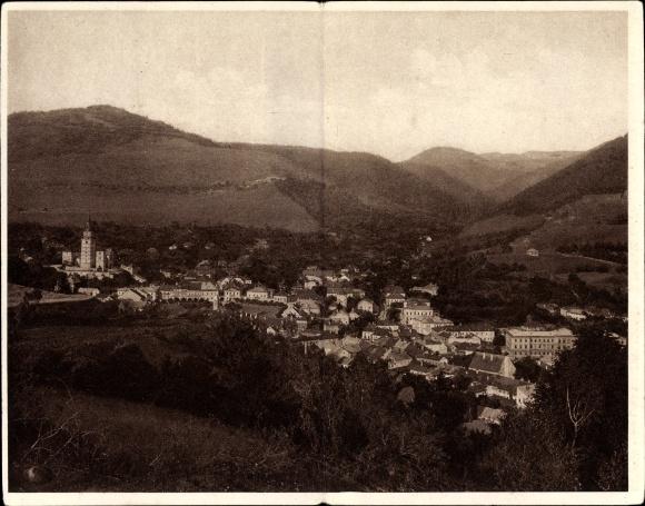 Klapp Ak Kremnica Kremnitz Slowakei, Ortschaft mit Landschaftsblick