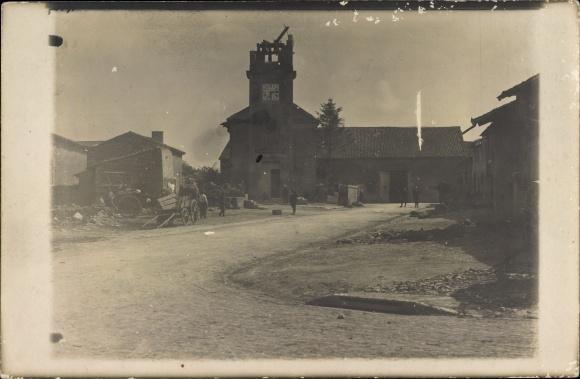 Foto Ak Hamonville Lothringen Meurthe et Moselle, Zerstörte Kirche, Kriegszerstörungen, I. WK
