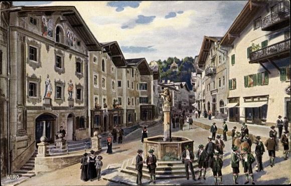 Künstler Ak Berchtesgaden in Oberbayern, Marktplatz, Partie am Brunnen