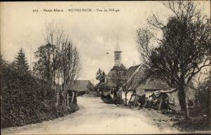 Ak Michelbach Elsass Haut Rhin, Vue du Village, Straßenpartie mit Blick zur Kirche