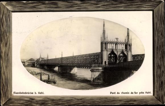 Passepartout Präge Ak Kehl am Rhein Ortenaukreis Baden Württemberg, Blick zur Eisenbahnbrücke