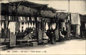 Ak Cairo Kairo Ägypten, Native Bazaars, Bazar der Einheimischen, Tuchhändler