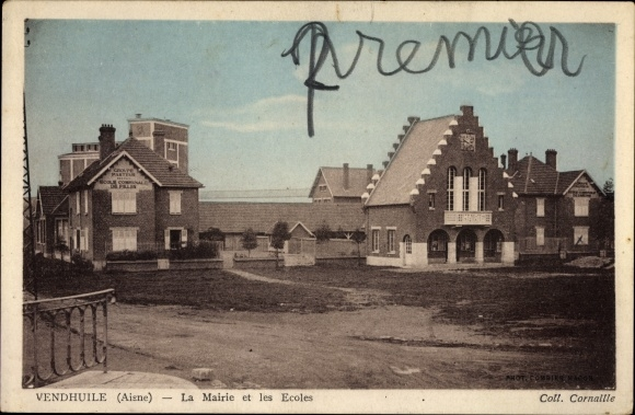 Ak Vendhuile Aisne, La Mairie et les Ecoles, Rathaus, Schule, Straßenansicht
