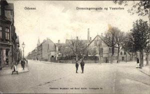 Ak Odense Dänemark, Dronningensgade og Vesterbro, Straßenpartie