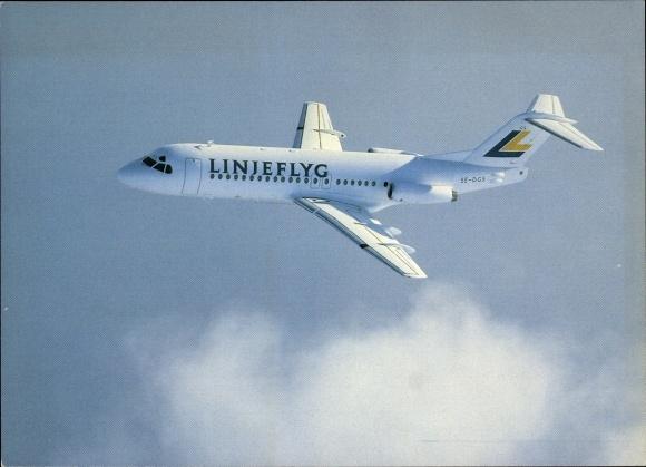 Ak Schwedisches Passagierflugzeug der Linjeflyg, Fokker F28-4000, SE-DGS