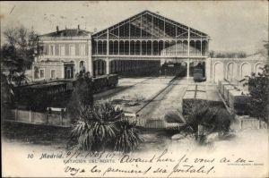 Ak Madrid Spanien, Estacion del Norte, Blick auf den Bahnhof, Personenzug, Güterwaggons