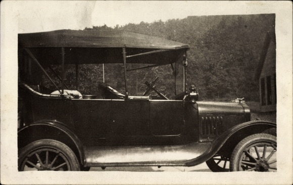 Ak Blick auf ein Automobil, Oldtimer, Lenkrad, Auto