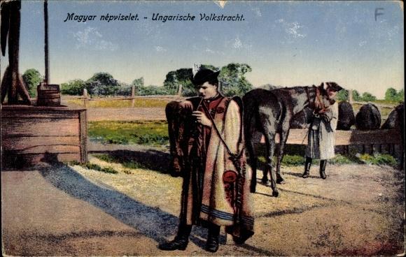 Ak Ungarische Volkstracht, Csikós, Pferdehirten in der Puszta, Pferde, Ziehbrunnen
