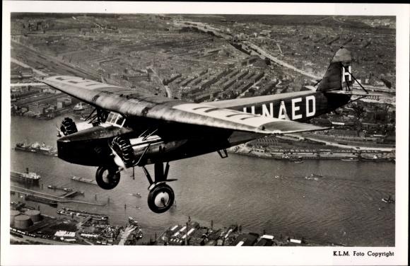 Ak Fokker F 8, Eerste tweemotorige machine, H-NAED, Propellermaschine