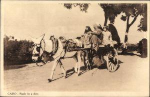 Ak Cairo Kairo Ägypten, Ready for a drive, Ägypter auf einem Pferdekarren